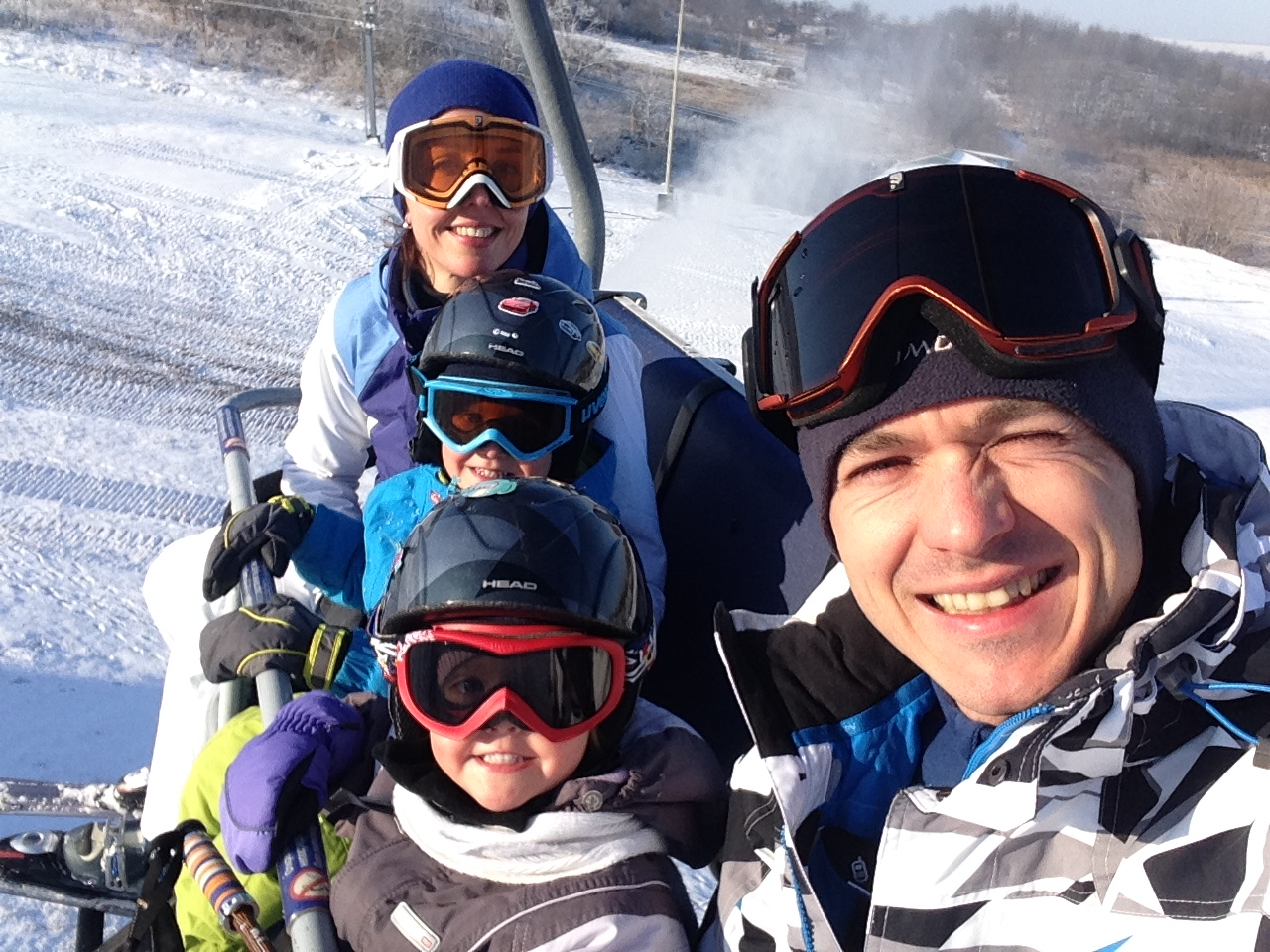 когда ставить ребенка на лыжи